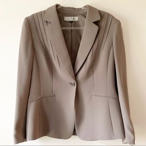 Tahari Arthur Levine Tan One Button Blazer Size 14